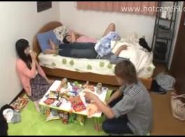 المراهقين في حالة سكر قرنية في المسكن