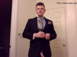 وسيم ، رجل أسود يمارس الجنس مع كريستي سينكلير ، لأن بوسها المشعر يريد أن يمارس الجنس