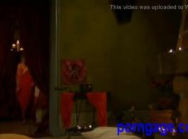 اجمل مقطع فديو جنس سكس داخل ملابس النوم على السرير اجمل بنت نيك في فلسطين