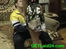عاطفي جبهة تحرير مورو الإسلامية في منزلها الملاعين مع صديقتها