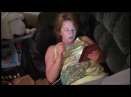 زوجة امرأة سمراء مثير الحصول على عار على كام