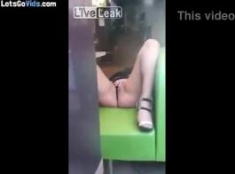 فتاة الهواة استمناء على كاميرا ويب.