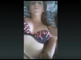جميلة مفلس الروسية زوجين ايمو الجنس مع الرجل