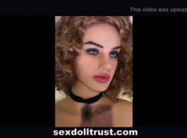 خنثى الجنس دمية يشج دسار حتى حلق كس.