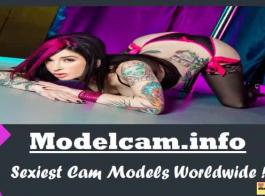فاتنة كام ويب مثير مع أحمر الشفاه والبطن لطيف يطرح للكاميرا.