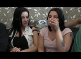 الفتيات مص والداعر.
