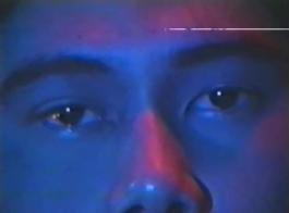 فيلم خمر من شقراء في سن المراهقة تجريد عارية.